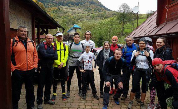 a614b94b4 Prípravu na ďalší tréningový rok sme začali ako zvyčajne v horách, tento  krát v obci Zázrivá v Malej Fatre. foto: účastníci zájazdu 🙂 Aj napriek  upršanému ...
